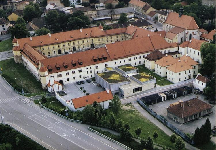 Letecký pohled na areál FIT VUT v Brně (2003)